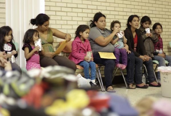 Centros De Detención Refugiados Familias Inmigrantes