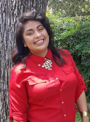 Anita De Leon image